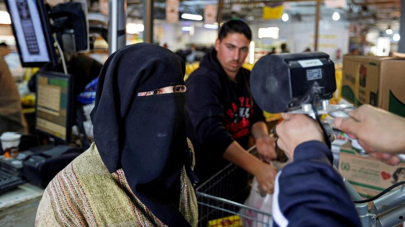 Biometrie: Iris-Scan in einem Supermarkt im Flüchtlingslager Zaatari