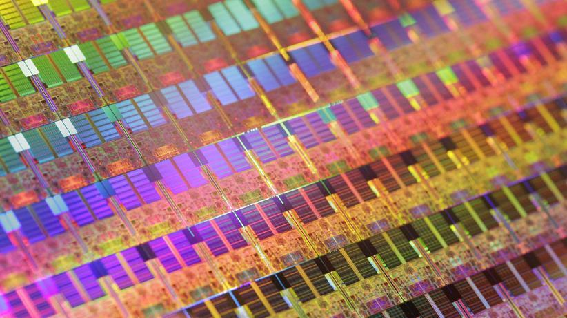 """""""Meltdown"""" und """"Spectre"""": Zehn Jahre alte Chips für Mikroprozessoren – auch sie sind von den Sicherheitslücken betroffen."""