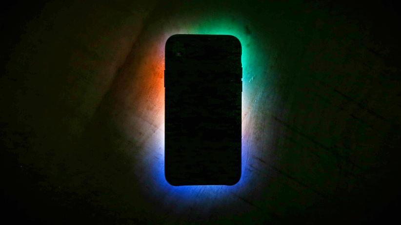 Datenschutz: Smartphones produzieren riesige Datenmengen. Zumindest teilweise haben Nutzer auch heute noch die Kontrolle darüber, wer sie bekommt.