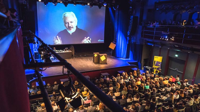 Julian Assange: Julian Assange wurde zur Eröffnung des Elevate-Festivals in Graz aus der ecuadorianischen Botschaft in London zugeschaltet.