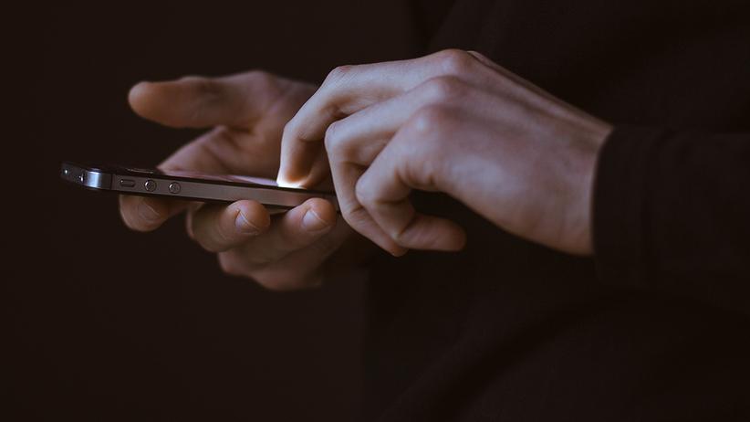Datenskandal: Facebook will die Nutzer, die vom Datenmissbrauch betroffen sind, benachrichtigen.