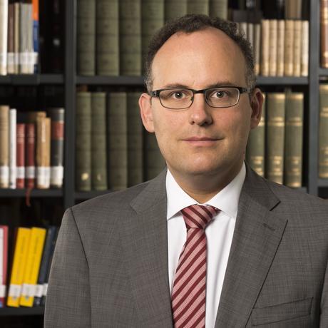 Matthias Bäcker ist Experte für Datenschutz- und Informationsrecht.