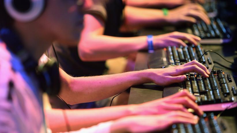 Deutscher Computerspielpreis: Videospieler auf der Gamescom in Köln 2013