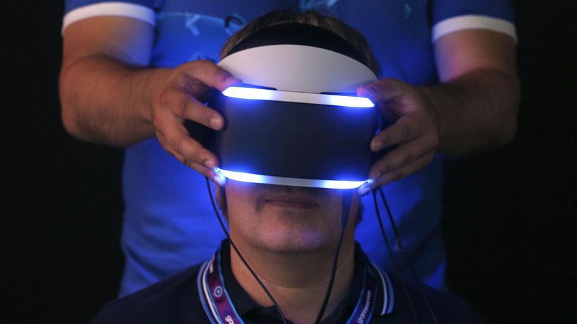"Gamescom: Sonys VR-Brille ""Projekt Morpheus"" auf der Gamescom"