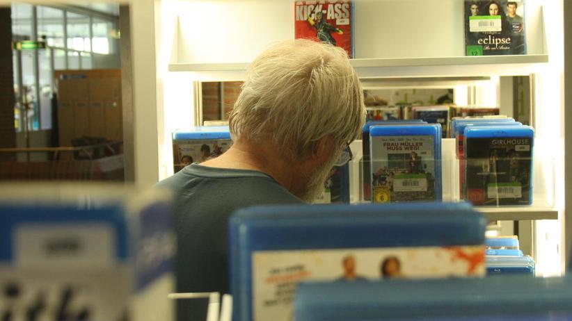 Games: DVDs und Games aus der Bibliothek – für Menschen mit wenig Geld häufig die einzige Alternative.