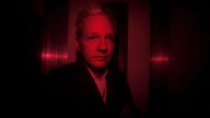 Wikileaks-Gründer Julian Assange im Gefängniswagen
