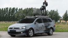 """Ein Kameraauto von Microsoft, das für die Suchmaschine """"Bing"""" Straßenbilder macht"""