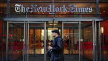 """Eingang zum Gebäude der """"New York Times"""" in New York"""