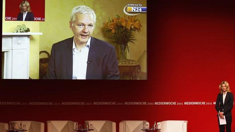 Wikileaks: Julian Assange wurde in einer Videoübertragung von Melinda Crane befragt.