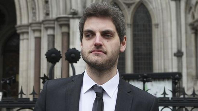 Bombendrohung: High Court entlastet Twitter-Witzbold