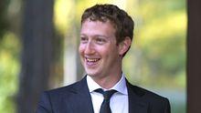 Businessman Mark Zuckerberg ausnahmsweise im Anzug - fotografiert beim Treffen mit Russlands Präsident Medwedew.