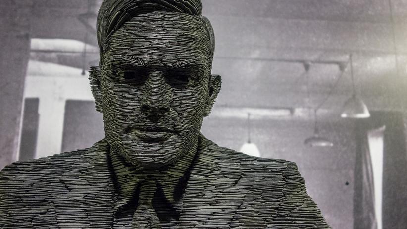 Turing-Test: Eine Statue des Mathematikers Alan Turing. Er galt als Vordenker der Künstlichen Intelligenz.