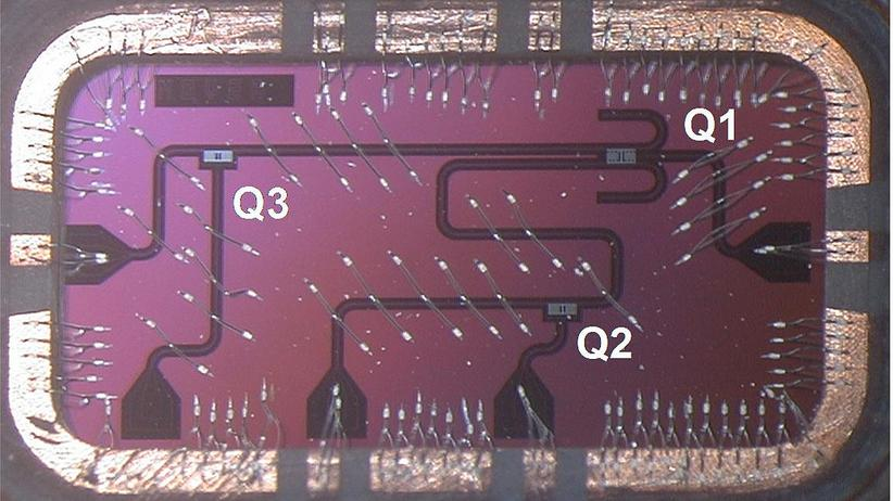 IBM-Chip mit drei Qubits