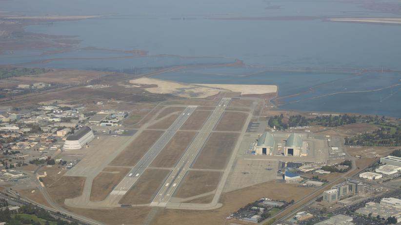 Das Moffett Federal Airfield