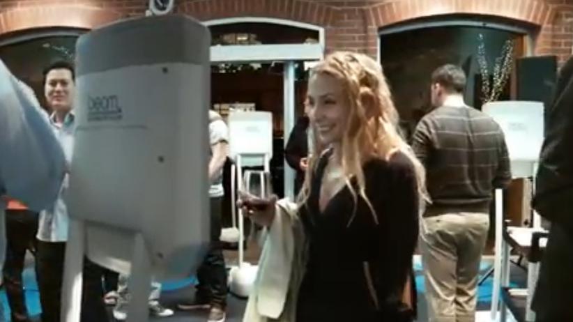 Telepräsenzroboter Beam im Kundengespräch