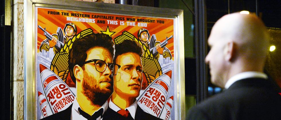 Filmplakat von The Interview vor einem Kino in Los Angeles