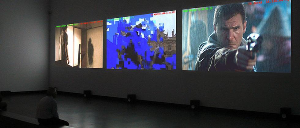 """""""The Pirate Cinema"""" in einer Ausstellung"""