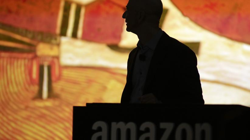 Amazon: Digital, Amazon, Amazon, Cloud Computing, Geld, Google, Microsoft, CIA, Apple, Dollar, US-Dollar, Umsatz, Unternehmen, Geheimdienst, Gewinn, USA, Verlust