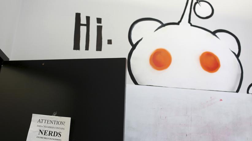 Das Reddit-Maskottchen im Hauptquartier des Unternehmens