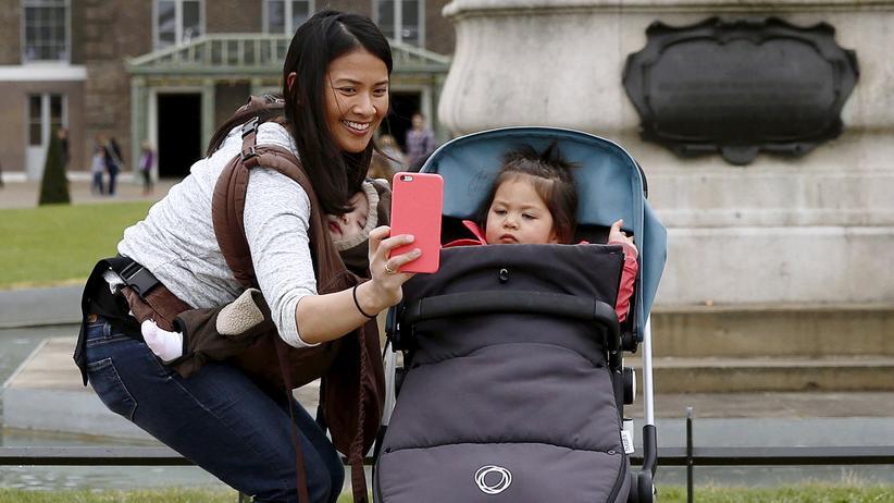 Soziale Netzwerke, Digital, Rollenspiele, Baby, Instagram, Facebook, Soziale Netzwerke, Eltern, AGB, Mädchen, Post, USA, Washington D.C.