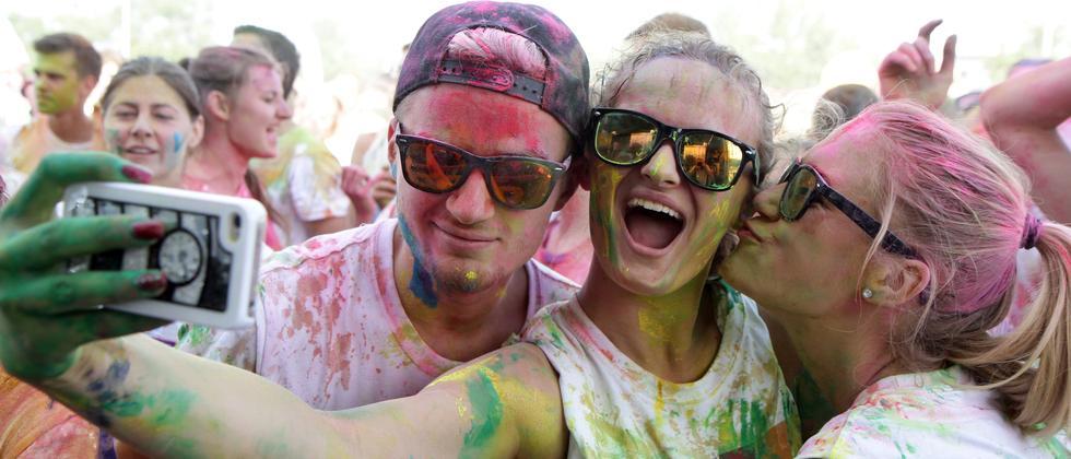 Gern gesehen auf Instagram: Bilder von Holi-Festivals.