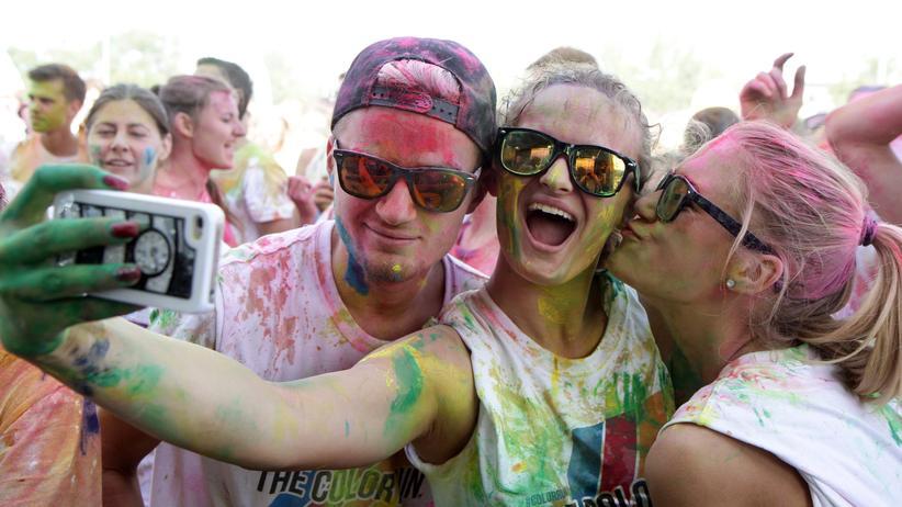 Instagram: Gern gesehen auf Instagram: Bilder von Holi-Festivals.