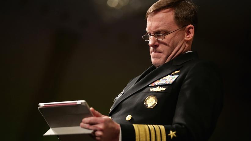 "Islamischer Staat: ""sudo killall"": Mike Rogers, NSA-Direktor und Kommandeur des United States Cyber Command"