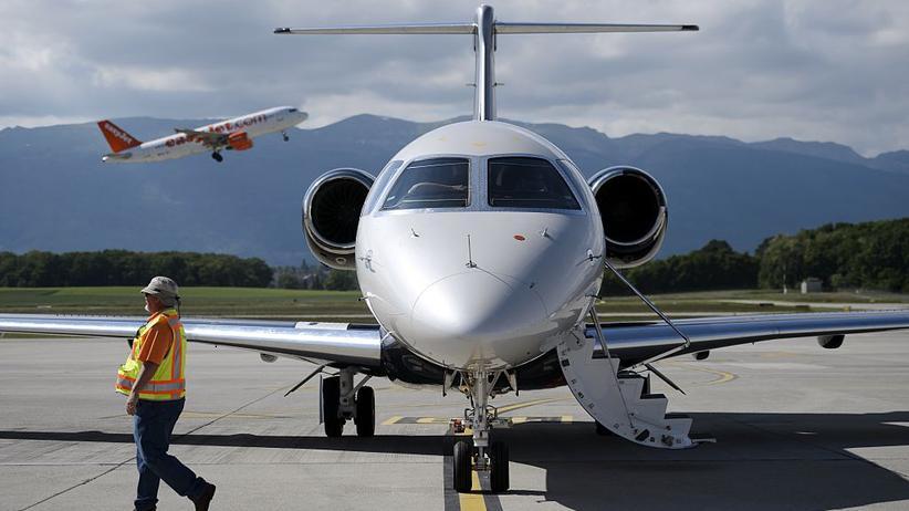 Eine Privatmaschine auf dem Genfer Flughafen.