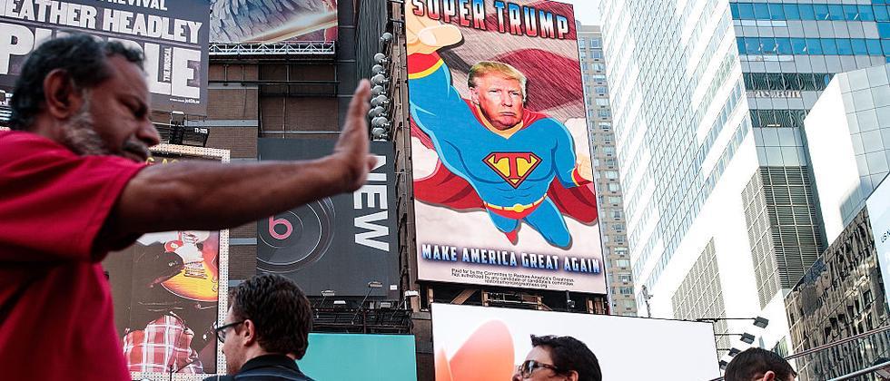 Auf der Straße lässt sich Werbung schechter ausblenden als online.