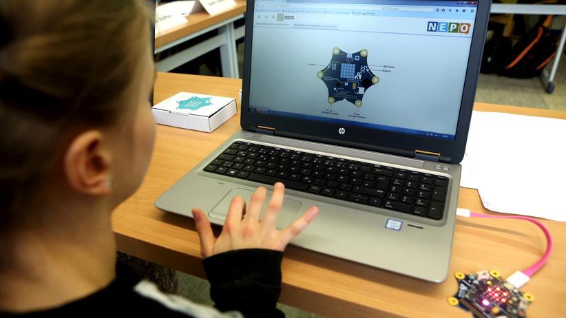 Der Calliope mini kann mit verschiedenen Editoren programmiert werden.