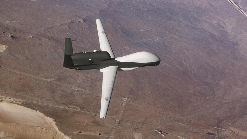 Project Maven: Die Überwachungsdrohne Global Hawk erreicht eine Höhe von bis zu 18.000 Metern. Sie soll zukünftig mit der künstlichen Intelligenz von Maven ausgestattet werden.