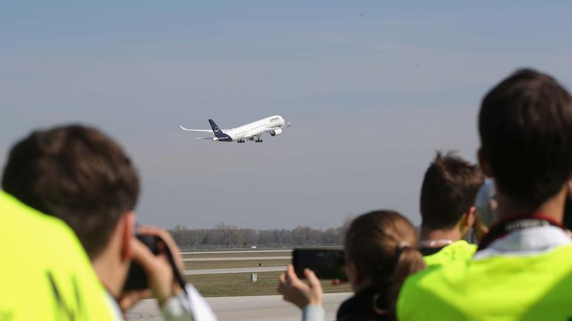 Fluggastdaten: Polizeibehörden sammeln seit Mai 2018 diverse Daten von Fluggästen.