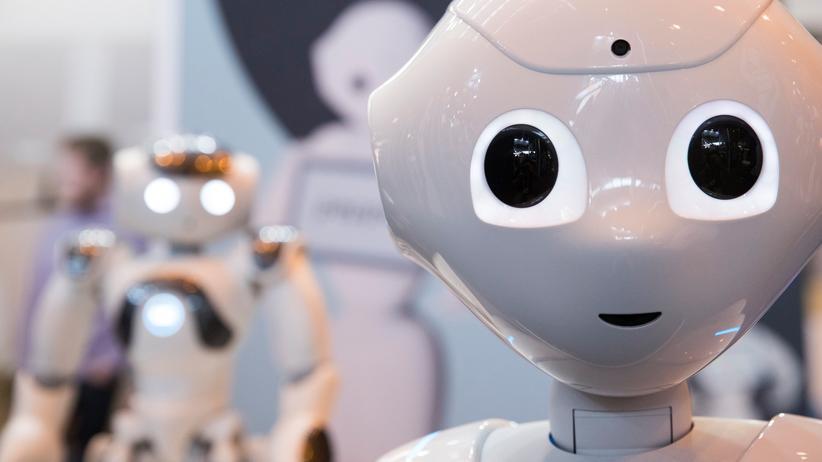 Künstliche Intelligenz: Steckt auch in humanoiden Robotern wie zum Beispiel Pepper.