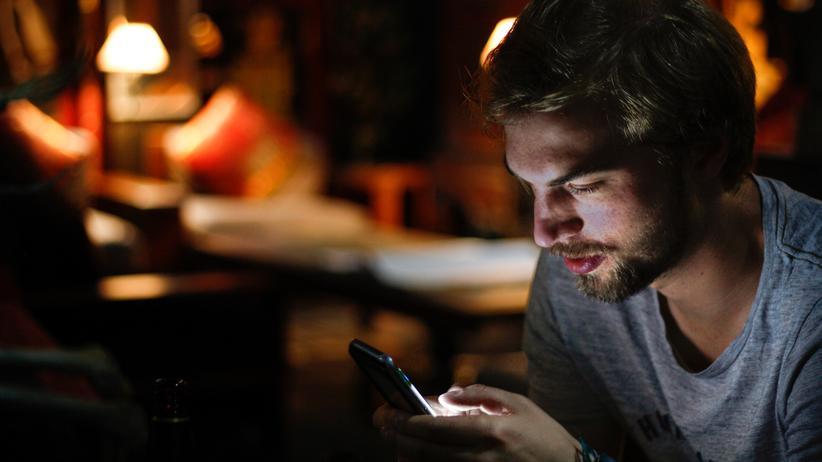 Filterblase: Auch wenn wir viel Zeit im Netz verbringen: Wir leben nicht nur in einer Onlinewelt, sagt die Kommunikationswissenschaftlerin Merja Mahrt.