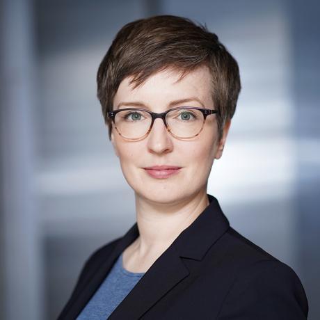 """Filterblase: Merja Mahrt ist Kommunikationswissenschaftlerin an der Heinrich-Heine-Universität in Düsseldorf. In ihrer Habilitationsschrift """"Jenseits von Filterblasen und Echokammern: Das integrative Potenzial des Internets"""" hat sie sich mit digitaler Fragmentierung und ihren Auswirkungen befasst."""