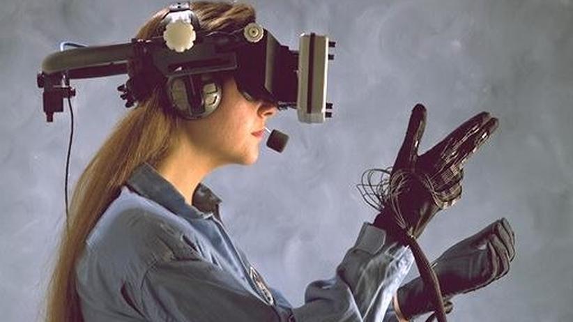 Ein von der Nasa entwickeltes System mit einem Datenhandschuh