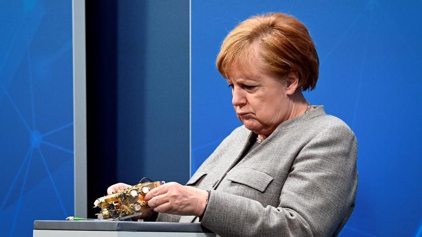 Digitalpolitik: Angela Merkel auf dem Digitalgipfel 2020 im Kanzleramt: Wirkliche Nähe zum Thema Digitalisierung fehlte nicht nur der Kanzlerin.