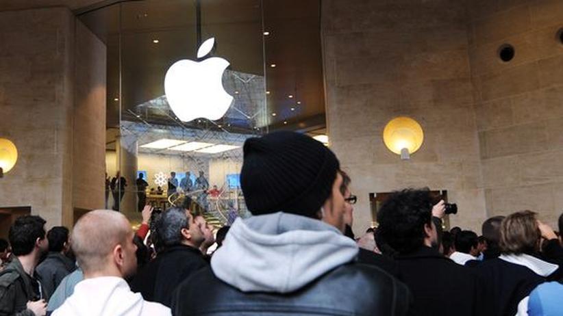 Apple, Apple über alles - hier bei der Eröffnung eines neuen Ladens im Pariser Louvre vor wenigen Tagen
