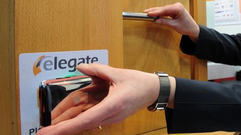 Das Handy als Türöffner - ein vom Gerät abgespielter Farbcode dient dabei als Schlüssel