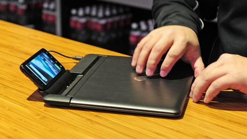 """Ein Motorola """"Atrix"""" als Rechenkern eines ansonsten """"dummen"""" Laptops"""