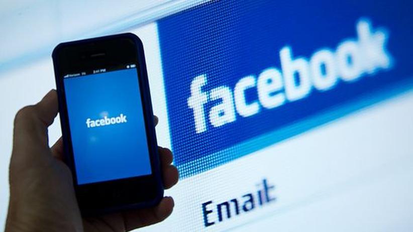 Mobiler Markt: Facebook will eigenes Smartphone entwickeln