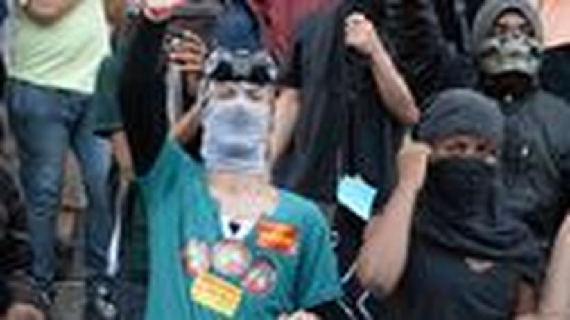 Online-Journalismus: Medien-Ninjas beobachten in Brasilien Demonstrationen