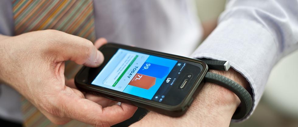 Fitness-Armband und iPhone
