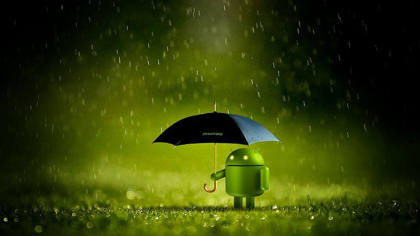 Das Android-Maskottchen im Regen. Der Markt mit den Smartphones wandelt sich.
