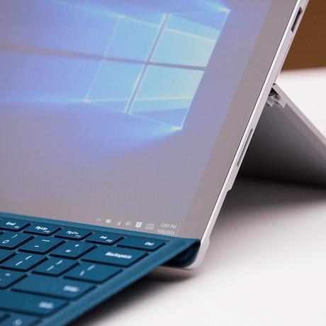 Das Surface Pro 4 ist ein Hybrid aus Tablet und Notebook.