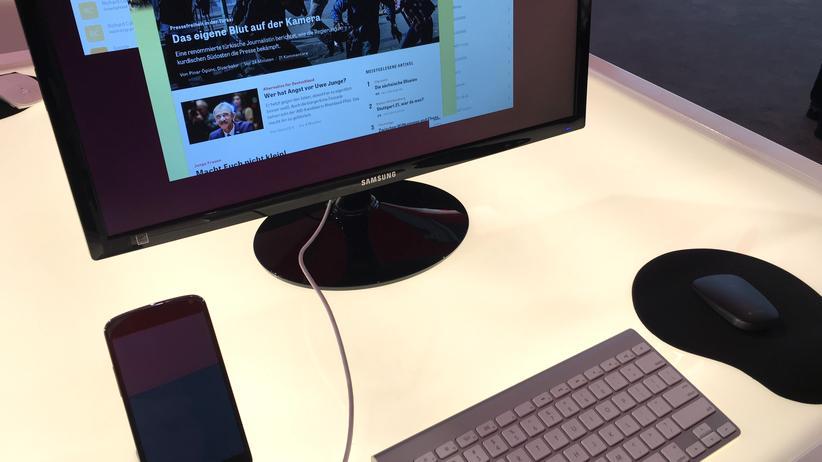 Nexus 4 mit Ubuntu und angeschlossenem Bildschirm