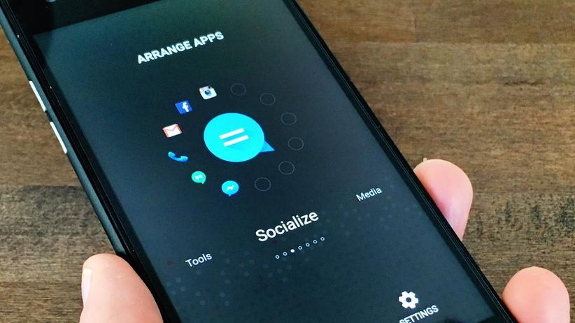 Smartphone ID1: Die Apps werden auf dem ID1 in Kreisen um ein Symbol herum angeordnet.