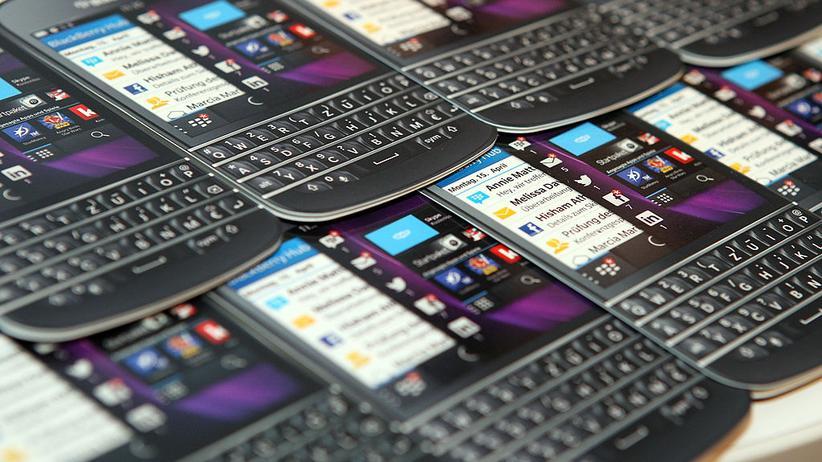 Das BlackBerry Q10 – manche schwör(t)en drauf.