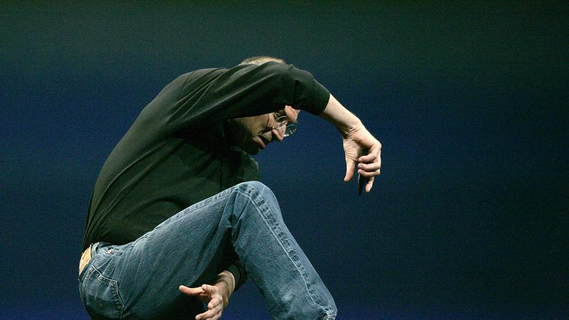 Steve Jobs überbrückt die einzige technische Panne der Show