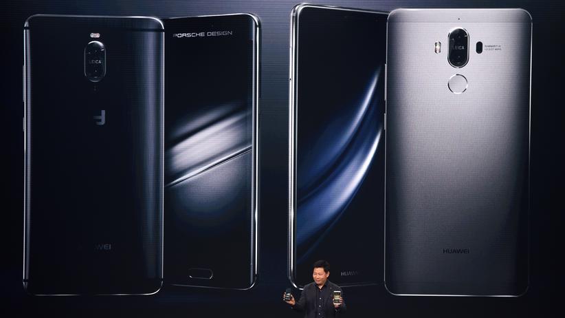 Richard Yu von Huawei stellt das Mate 9 vor